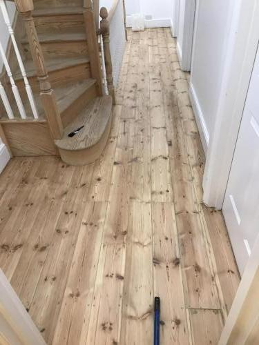 restorated-floorboards-and-stairs
